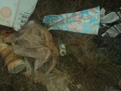 B - Lixo Abandonado.jpg